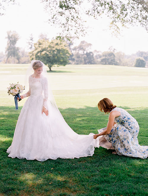 5 Things Mothers of the Bride Can Take Off Their Daughter's Plate via Brides - Wedding Belles Blog