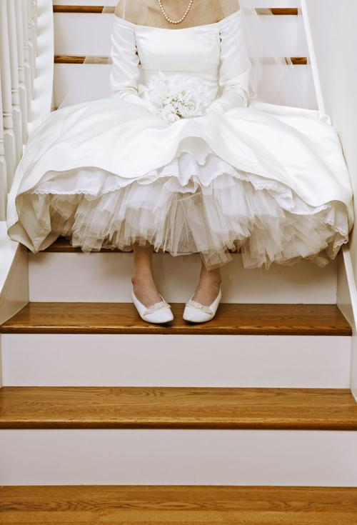 6 Ways to Help the Bride Go to the Bathroom in Her Wedding Dress via Brides - Wedding Belles Blog