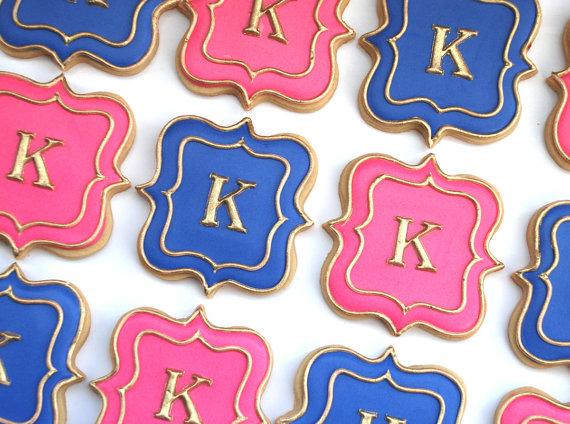 Monogrammed Sugar Cookie Wedding Favors - Wedding Belles Blog