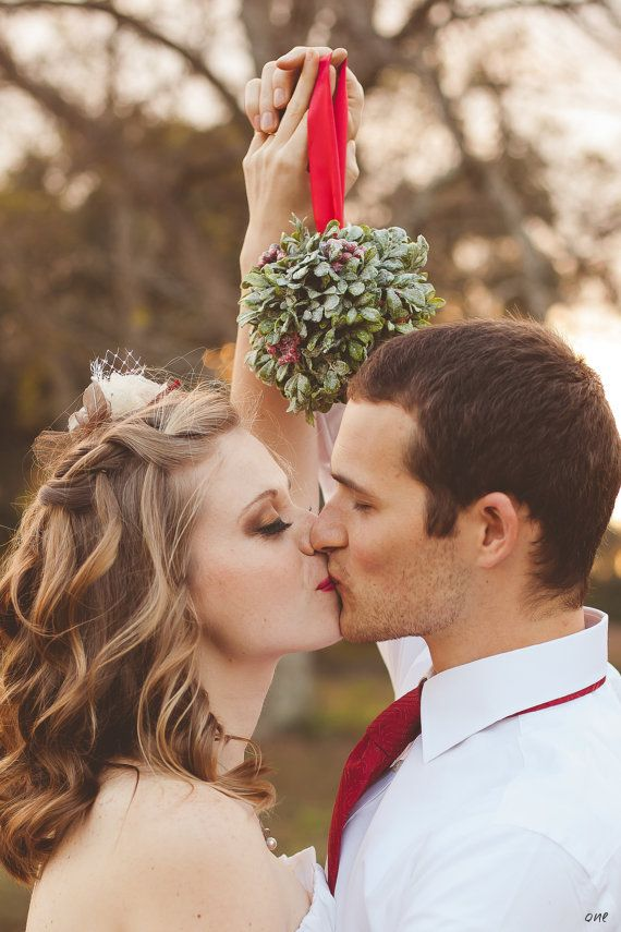 Pinecone and Evergreen Wedding Inspiration - Wedding Belles Blog