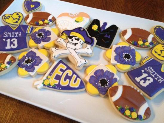 ECU cookie favors - Wedding Belles Blog
