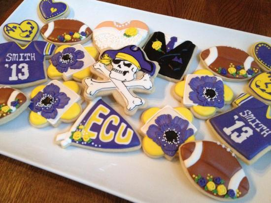 ECU cookie favors - Wedding Belles Blog