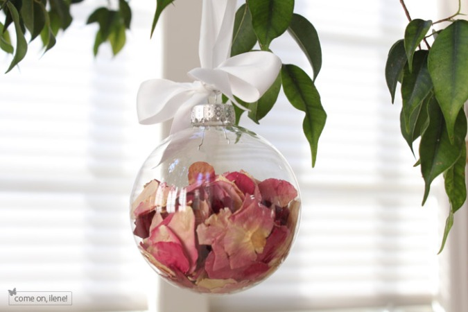 Christmas ornament using petals from your wedding bouquet - Wedding Belles Blog