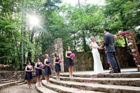 Wedding at UNC's Forest Theatre - Wedding Belles Blog