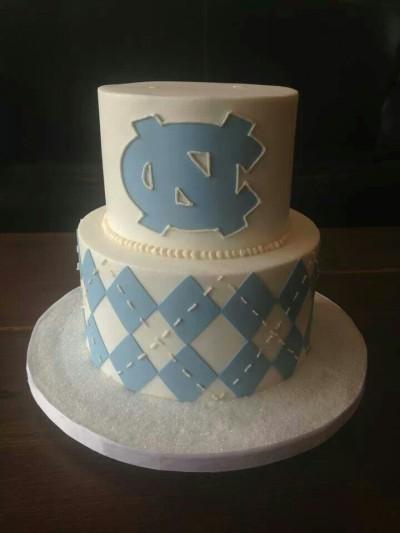 UNC Wedding Cake - Wedding Belles Blog