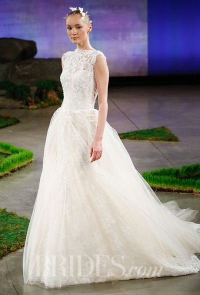 Ines di Santo lace wedding gown with tulle skirt, via Brides - Wedding Belles Blog