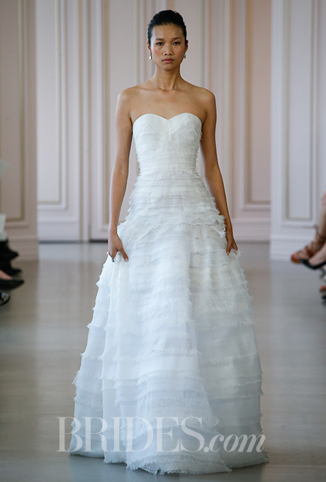 Oscar de la Renta Spring 2016 strapless lace and organza tiered ball gown wedding dress with sweetheart neckline, via Brides - Fairly Southern