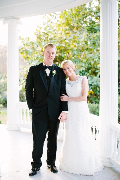 Preppy and Classic Kelly Green Wedding - Wedding Belles Blog